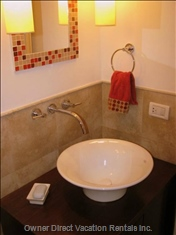 Guest Bath W/Shower and Tub