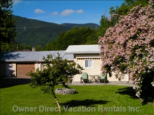 Cabin and Mountain Views. Guest House Sleeps 6. Cabin Sleeps 4. Property Total Sleeps 10. See Second Listing for Details on Cabin.