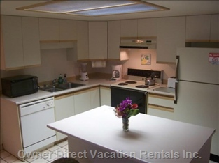 Kitchen Comes Fully Equipped, Allows you to Eat in as Well as Eat Out.