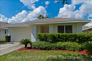 Luxury Pool Villa Less than 10 Minutes to Disney!