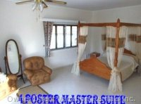 King Size 4 Post Master Suite