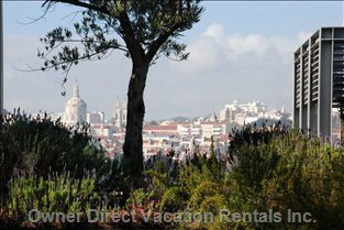 Beautiful Gardens (3000m2) with an Incredible View over Lisbon.