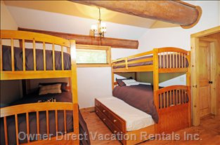 Bunk Bed Room - Sleep 6 People in 6 Twin Beds. 2 Upper Bunks, 2 Lower Bunks, and 2 Trundles.