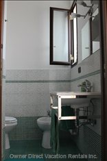 En Suite Bathroom#2