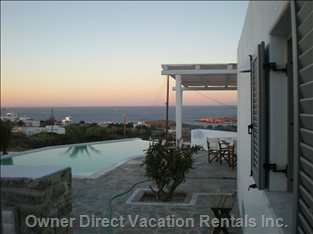 Villa outside View : you Can Relax at the Swimming Pool Area Viewing the Deep Blue of the Aegean Sea