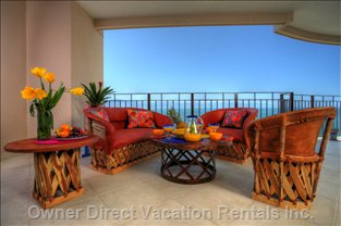 Luxurious Deck to Enjoy the Views of the Bay, Whales, Dolphins and the Sunsets!