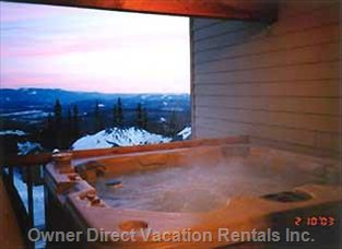 Private 8 Seater Hottub on Covered Deck.