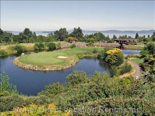 8 Minutes from 3 Par Golf - Cordova Bay 3 Par Golf Course Affords Beautiful View of Ocean and Mount Baker