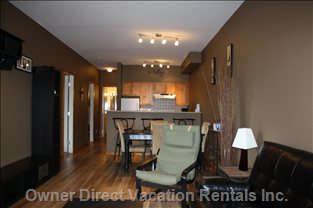 Open Concept -kitchen, Breakfast Bar, Dining Area.