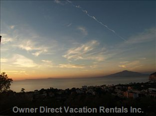 Vesuvio at Sunset