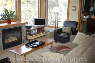 Living Room with TV/Stereo - Sun Peaks, BC, Canada