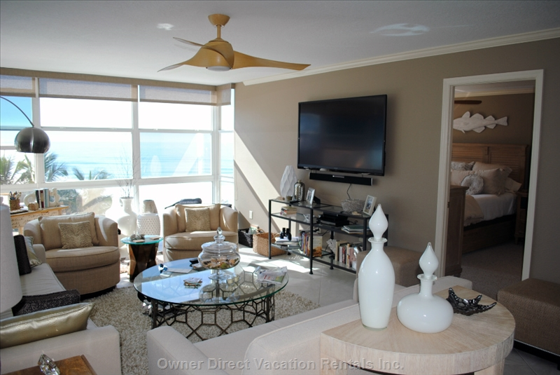 Wake up each morning to a panoramic view of the Gulf of Mexico from 2-bedroom luxury condo