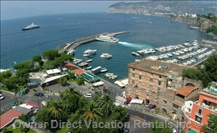 View of the Sorrento Harbour
