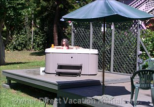 Relax in a Jacuzzi after a Hard Day at the Beach!